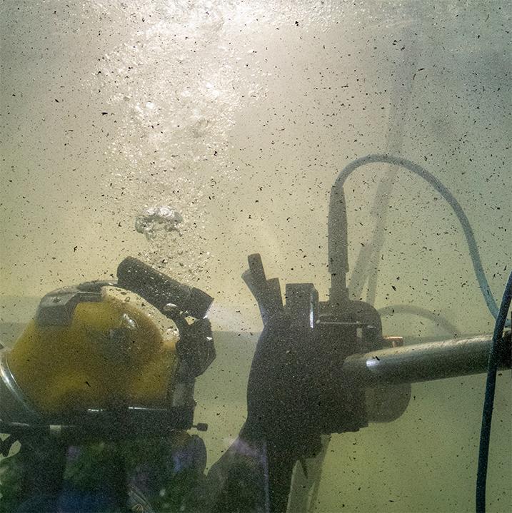 underwater-welding-challenge-visibility